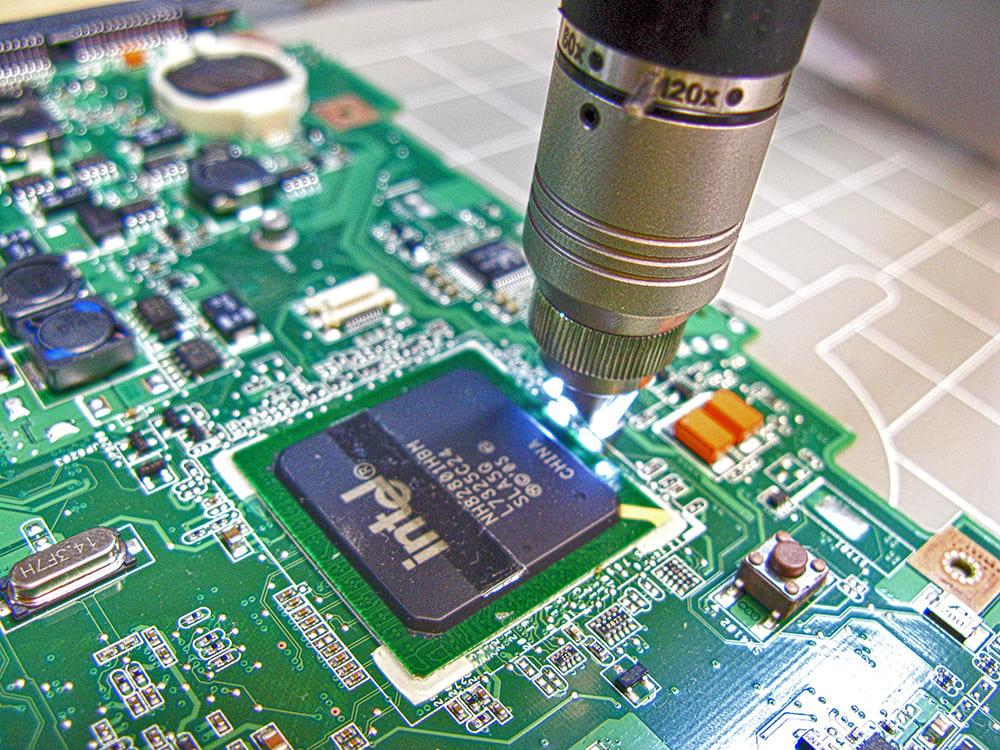 inspekcja płyty głównej - naprawa komputerów Wrocław